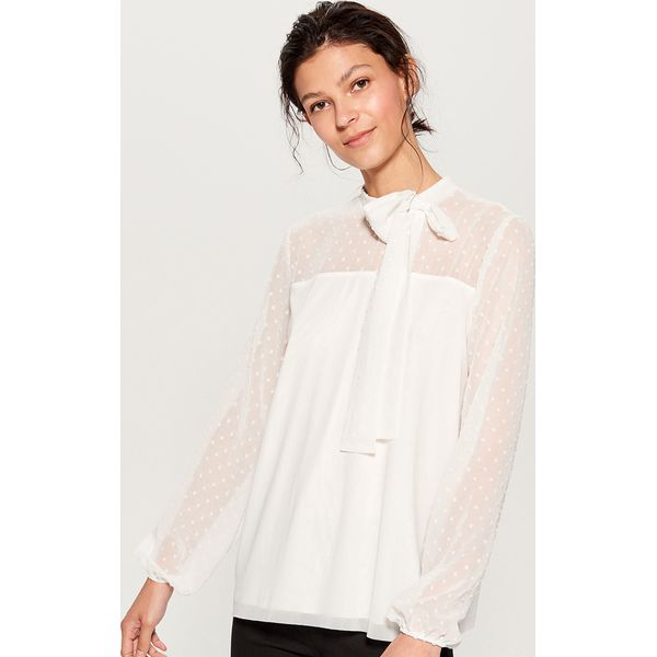 e6c646740 Koszula z tkaniny plumeti - Biały - Koszule damskie Mohito. W ...