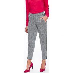 07076d94e30283 Eleganckie spodnie damskie z lampasami - Spodnie damskie - Kolekcja ...
