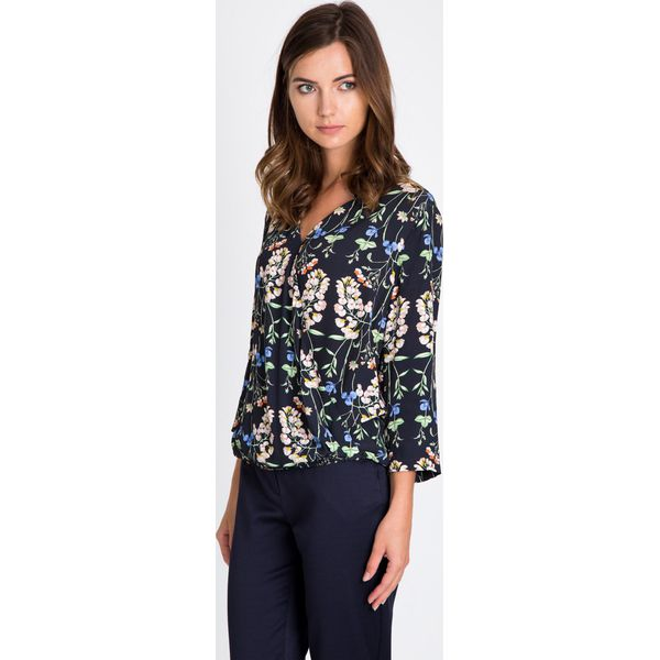 1c620e9ef845 Granatowa bluzka w kwiaty QUIOSQUE - Szare bluzki damskie marki ...