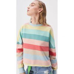 e8824b41cecbcc Krótka bluza w kolorowe paski - Wielobarwn. Bluzy damskie Sinsay. W  wyprzedaży za 24.99