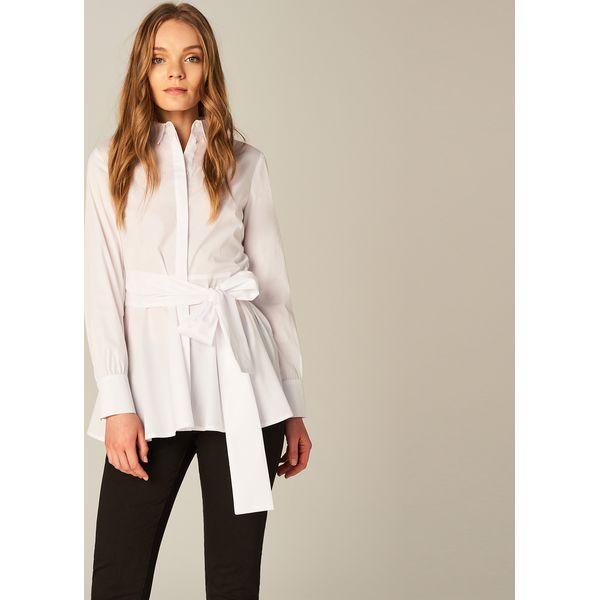 91ecee675e5435 Długa koszula z wiązaniem w talii - Biały - Białe koszule damskie Mohito, z  długim rękawem. W wyprzedaży za 79.99 zł. - Koszule damskie - Bluzki i  koszule ...