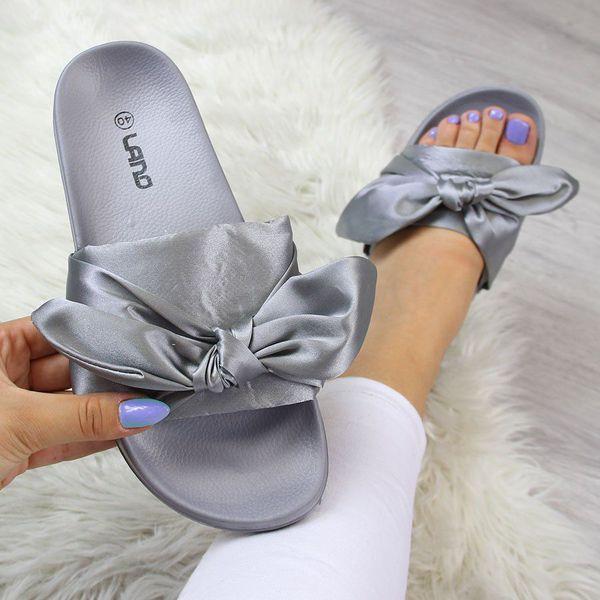 301029bec02ad Klapki damskie - Kolekcja wiosna 2019 - Butik - Modne ubrania, buty,  dodatki dla kobiet i dzieci