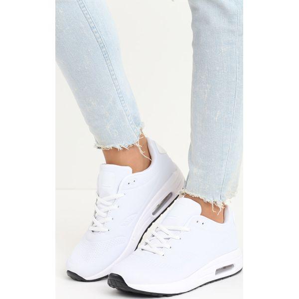 ad09517b Obuwie sportowe damskie ze sklepu born2be.pl - Kolekcja lato 2019 - Butik -  Modne ubrania, buty, dodatki dla kobiet i dzieci
