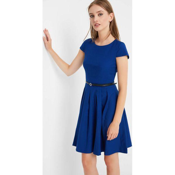 3ab835c514 Rozkloszowana sukienka z paskiem - Niebieskie sukienki damskie marki ...