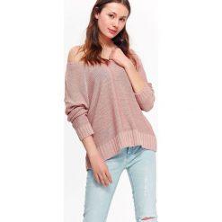 71a52a40fa338d SWETER DAMSKI Z DEKOLTEM W SEREK, LUŹNY. Swetry klasyczne damskie TROLL. W  wyprzedaży