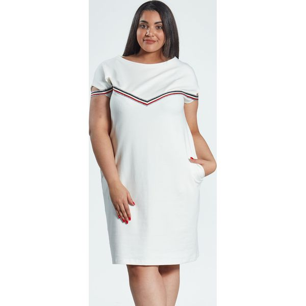 10f73b36e3 Sukienka Jula w kolorze ecru z lampasami duże rozmiary OVERSIZE PLUS ...