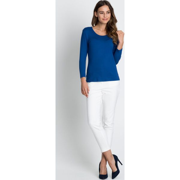 aa066e1361 Niebieska klasyczna bluzka BIALCON - Niebieskie bluzki damskie marki BIALCON