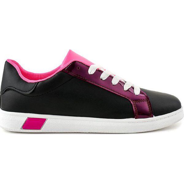 Czarne sneakersy trampki W 3116