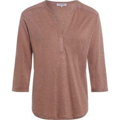 6d3e8d3443 Koszulka w kolorze jasnobrązowym. Koszulki damskie marki Scottage. W  wyprzedaży za 69.95 zł.