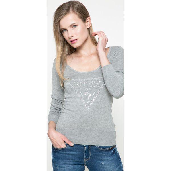 f7b2d9bce355d Guess Jeans - Sweter - Szare swetry klasyczne damskie marki Guess ...