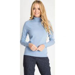 84ae3faee8 Błękitny sweter z golfem QUIOSQUE. Golfy damskie marki QUIOSQUE. W  wyprzedaży za 59.99 zł