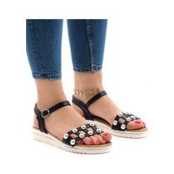 Białe sandały koturny z gumką B133 2