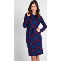 4c6fa86e93 Niebieska sukienka z czerwonym wzorem QUIOSQUE. Sukienki damskie marki  QUIOSQUE. W wyprzedaży za 79.99