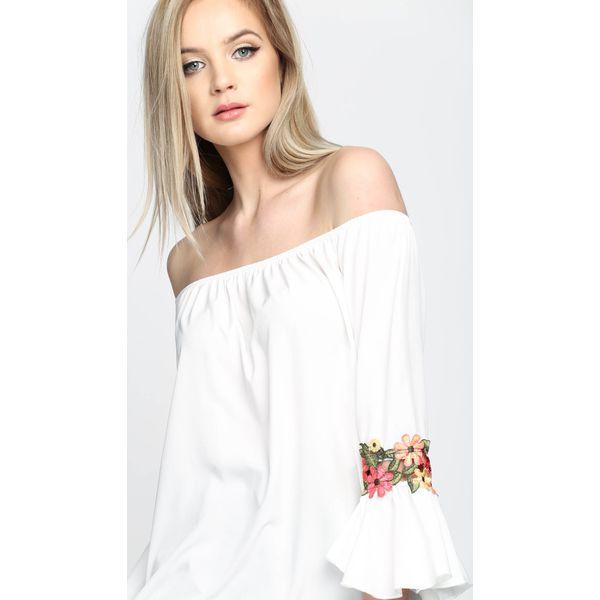 6f1128e2ef Biała Bluzka Queen Of Spring - Białe bluzki damskie marki Born2be ...