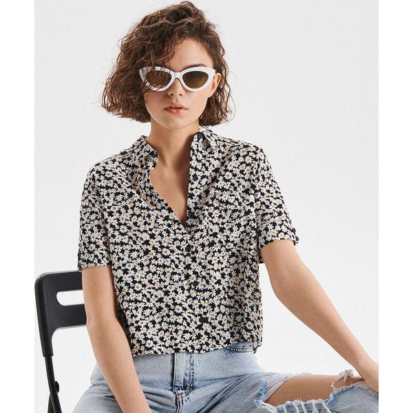 ff1d7a477 Krótka koszula z nadrukiem - Czarny - Koszule damskie marki Cropp ...