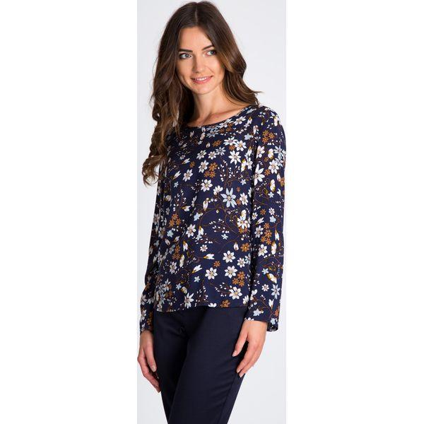 4901e178377e Granatowa bluzka w kwiaty z długim rękawem QUIOSQUE - Czarne bluzki ...