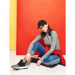 3eeff8a5f7ef2b W wyprzedaży za Sportowe buty - Czarny. Czarne obuwie sportowe casual  damskie marki Cropp. W wyprzedaży za