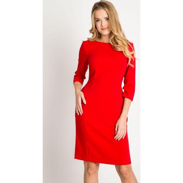2a66fb8136 Dopasowana czerwona klasyczna sukienka QUIOSQUE - Czerwone sukienki ...