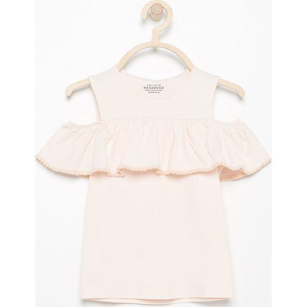 b12941295a3fc3 Bluzka z falbaną - Kremowy - Białe bluzki i koszule dziewczęce Reserved. W  wyprzedaży za 24.99 zł. - Bluzki i koszule dziewczęce - Koszulki i bluzki  ...
