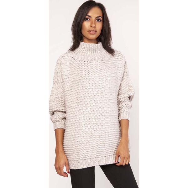 f836a55a3e26 Beżowy Ciepły Oversizowy Sweter z Golfem - Golfy damskie marki Molly ...