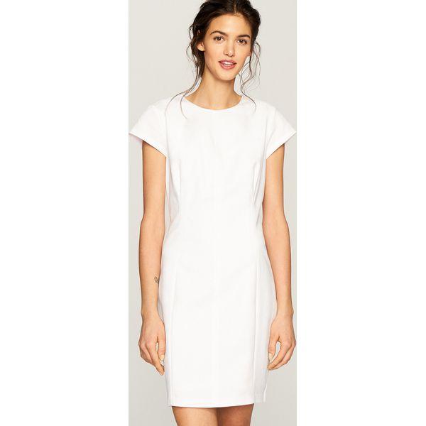 168eac67a4 Biała sukienka - Kremowy - Sukienki damskie marki Reserved. Za 99.99 ...