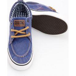 8442ac9d7663d Niebieskie trampki chłopięce marki Reserved. W wyprzedaży za 29.99 zł.