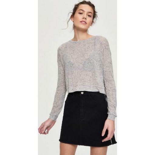 18b94ff092aaa2 Krótki sweter - Jasny szar - Szare swetry klasyczne damskie marki ...