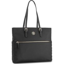 e3ee35ab00ff7 Czarne torebki damskie marki Tommy Hilfiger - Kolekcja wiosna 2019 ...