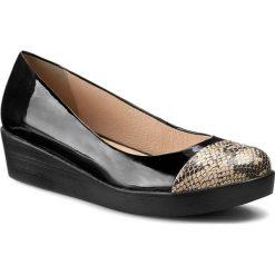 5badd33c Czarne obuwie damskie marki A.J.F., na koturnie - Kolekcja wiosna ...