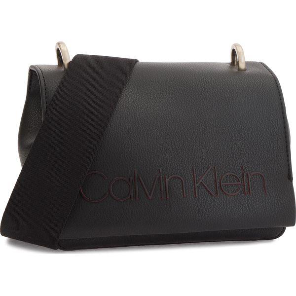 3584ef51b54e7 Torebka CALVIN KLEIN - Pop Small Crossbody K60K604594 001 - Listonoszki  damskie marki Calvin Klein. W wyprzedaży za 319.00 zł.