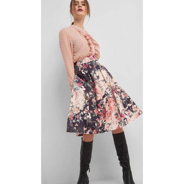 ad3591c0 Rozkloszowana spódnica w kwiaty