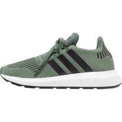 729461c7494407 Zielone obuwie dziecięce marki Adidas Originals - Kolekcja lato 2019. Adidas  Originals SWIFT RUN Tenisówki i Trampki trace green/core black/footwear  white.
