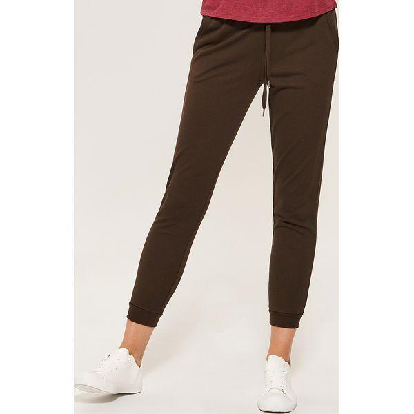 f0cf731a6ee4 Dresowe joggery - Khaki - Brązowe spodnie dresowe damskie marki ...