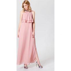 fe118caa3d W wyprzedaży Długa sukienka z falbaną little princess - Różowy. Sukienki  damskie marki Mohito. W wyprzedaży